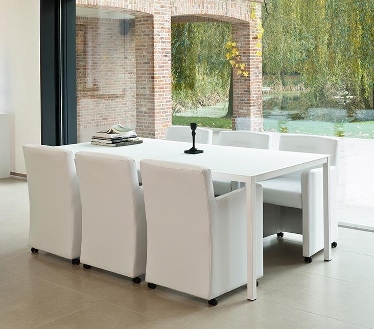 Keuken tafel plus stoelen for Stoelen keuken
