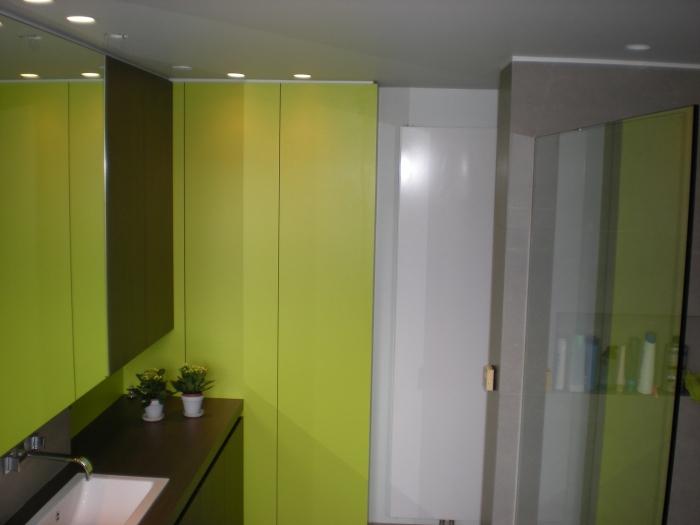 Afvoer Goot Badkamer ~ Badkamer Laminaat  Badkamer meubel in laminaat en plooideuren