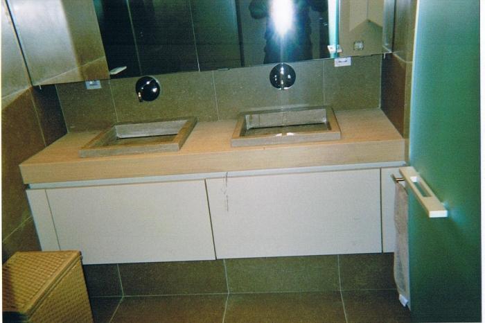 Badkamer meubel met schuiven - Foto badkamer meubels ...