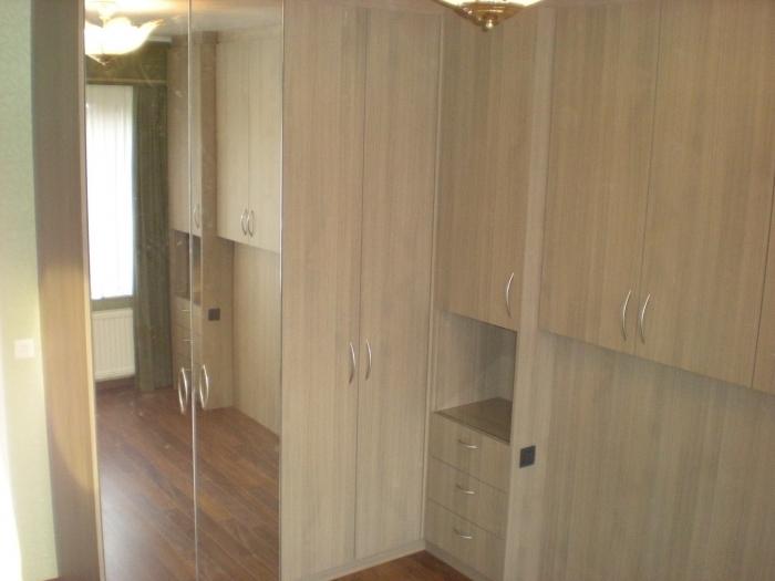 Slaapkamer in laminaat + nis met led verlichting