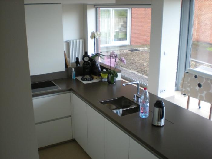 Natuursteen Keuken Werkblad : keuken in laminaat , werkblad in natuursteen