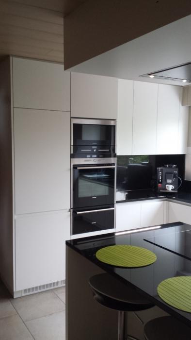 granieten zwarte keuken die neuesten innenarchitekturideen. Black Bedroom Furniture Sets. Home Design Ideas